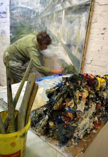 Urban painter Leanne M Christie in the studio